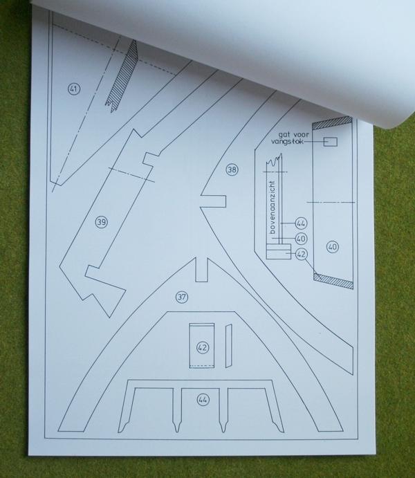 Een detail van de bouwtekening van de achtkante poldermolen. De kapspanten en nokgording. Penterbak Modelbouw levert de bouwtekening waarmee je zelf aan de slag kunt.