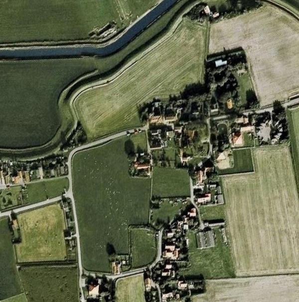 Een detail van het dorpje Oost