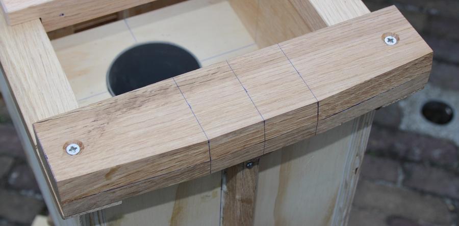 Penterbak modelbouw bouwt een tuinmolen